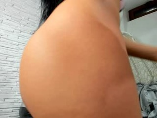 diamond_jo Juicy twat of magnetic cam doll is licked before nice fucking on live cam