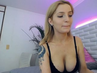 juliettagray Pretty guy bangs his sexy cam doll in different positions on live cam