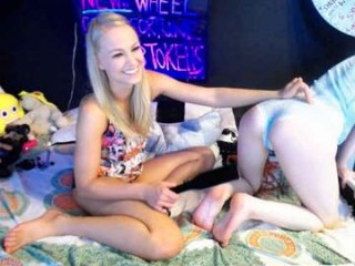 siswet19 Sex appeal white girlie having interracial fun with gangsta on live cam