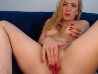 sarahjadore cam doll gets dick in snatch after performing great blowjob on live cam